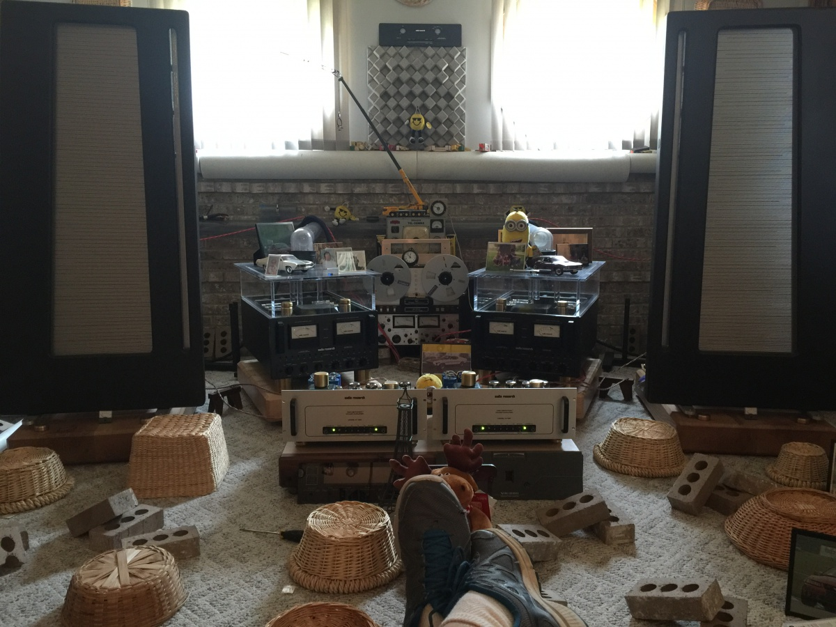 My uncles dedicated stereo room-photo-jun-13-11-52-32-am.jpg