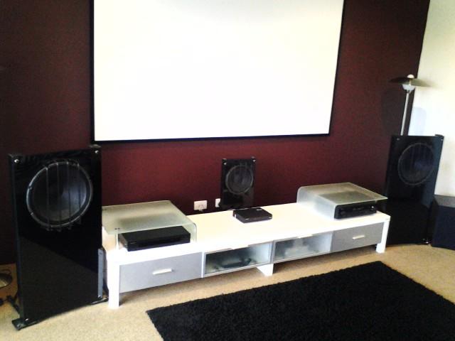Harry's OB Home theatre set of speakers-pic_0804_119.jpg