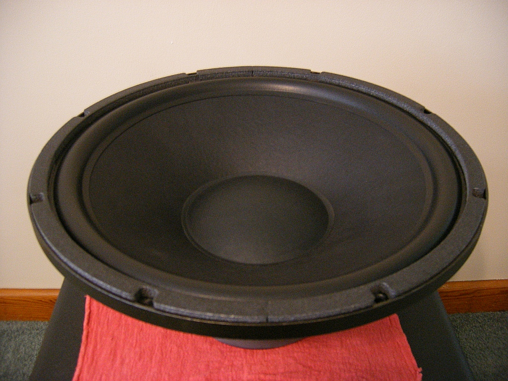 PowerSound Audio S1800 Review-powersound-audio-s1800-driver-3.jpg