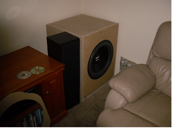 "Mach 5 18"", 180lt, 500watts tuned to 20hz-resized39_640x480.jpg"