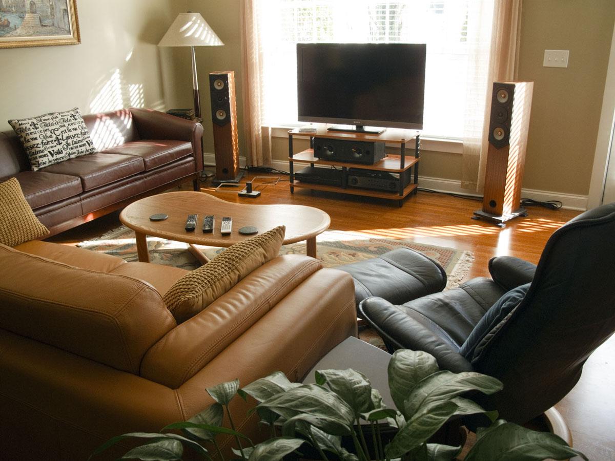 Bookshelf Speaker for 1st HT System - Recommendation-room-full-sm_1126.jpg