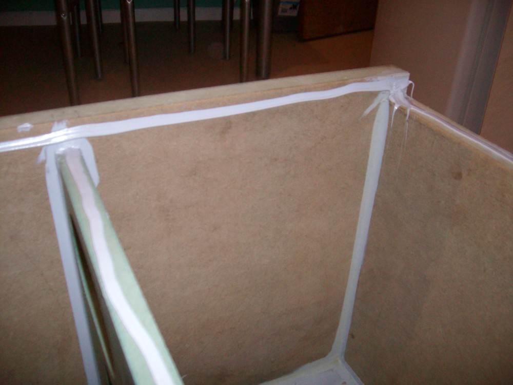 """90 litre single 15"""" driver project.-sealing-adhesive.jpg"""