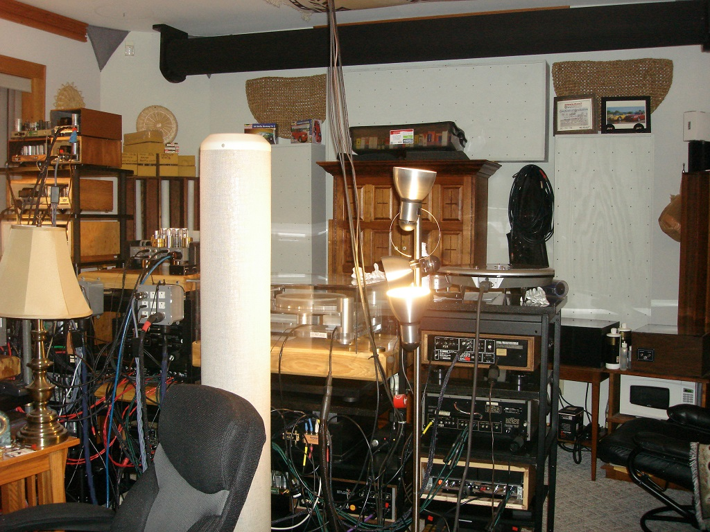 My uncles dedicated stereo room-small4.jpg