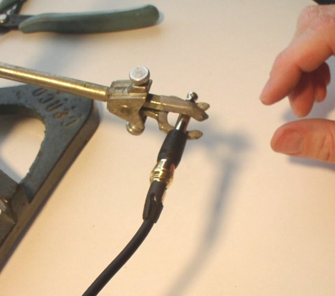 How to Solder: An Illustrated DIY Guide to Making Your Own Cables-solder-23.jpg