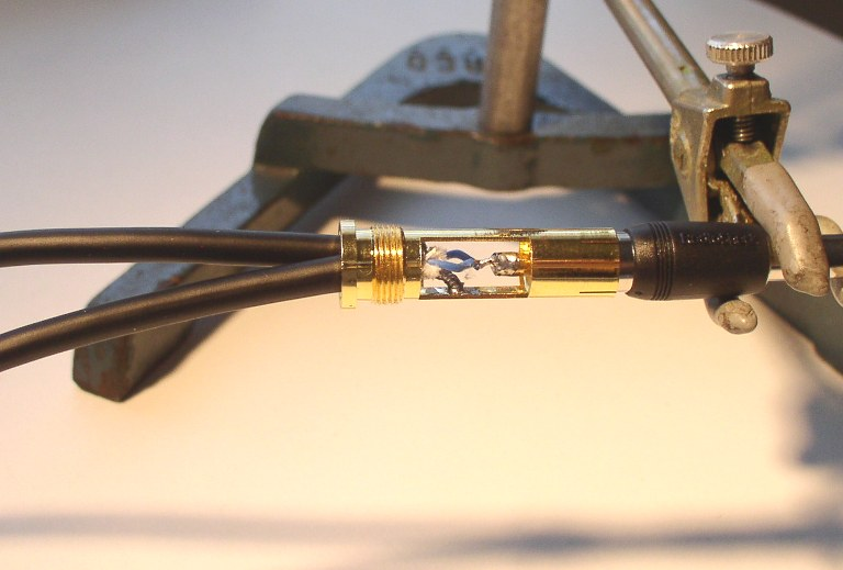How to Solder: An Illustrated DIY Guide to Making Your Own Cables-solder-27.jpg