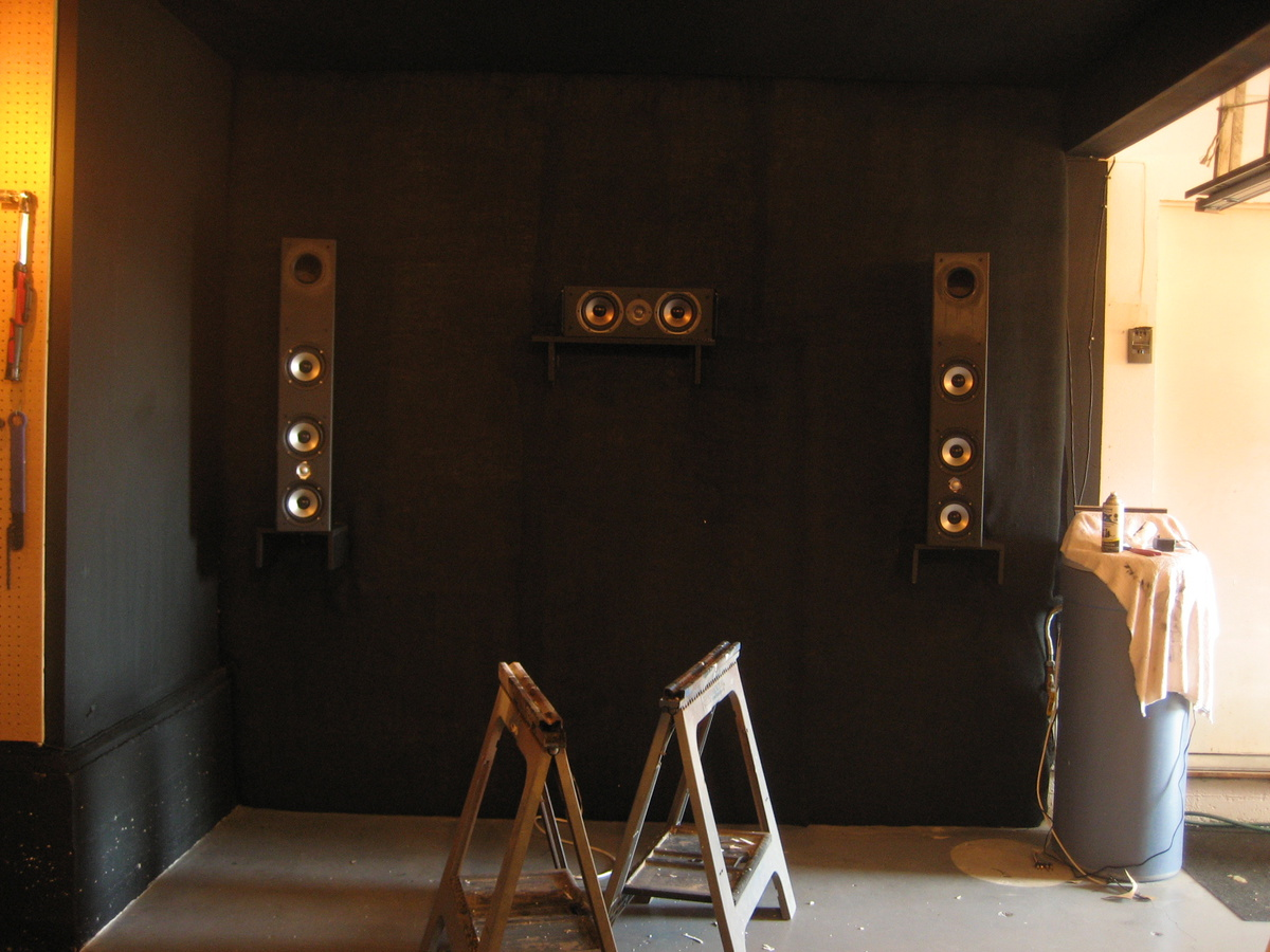 What type of diffuser goes on the back wall?-speaker-painting-5.jpg