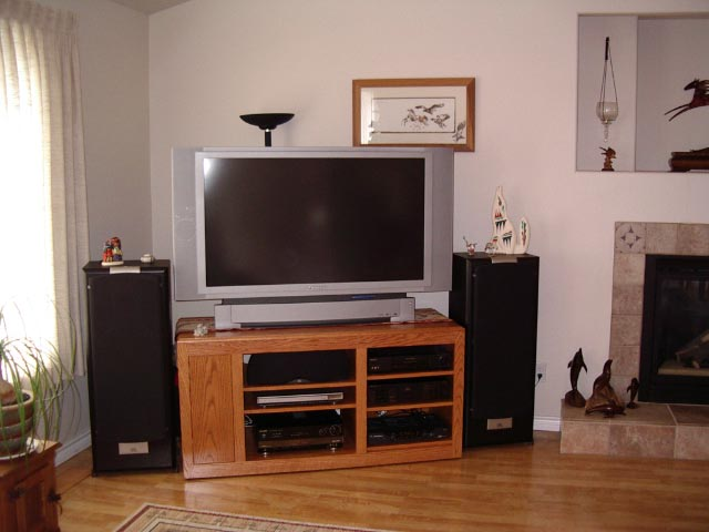 Greetings from Oregon-stereo-setup.jpg