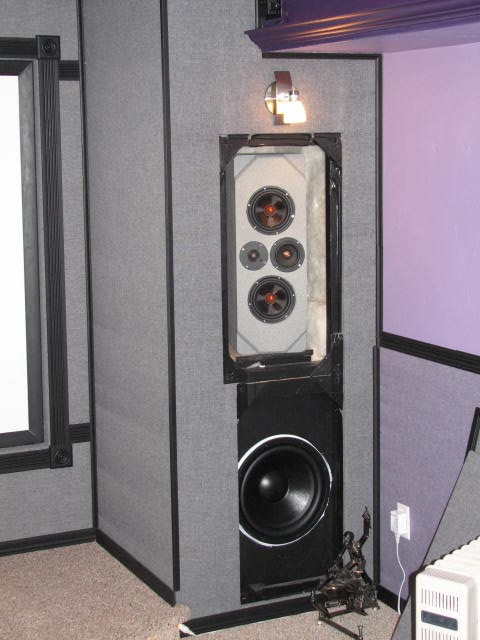 First time, some help needed-sub-speaker.jpg