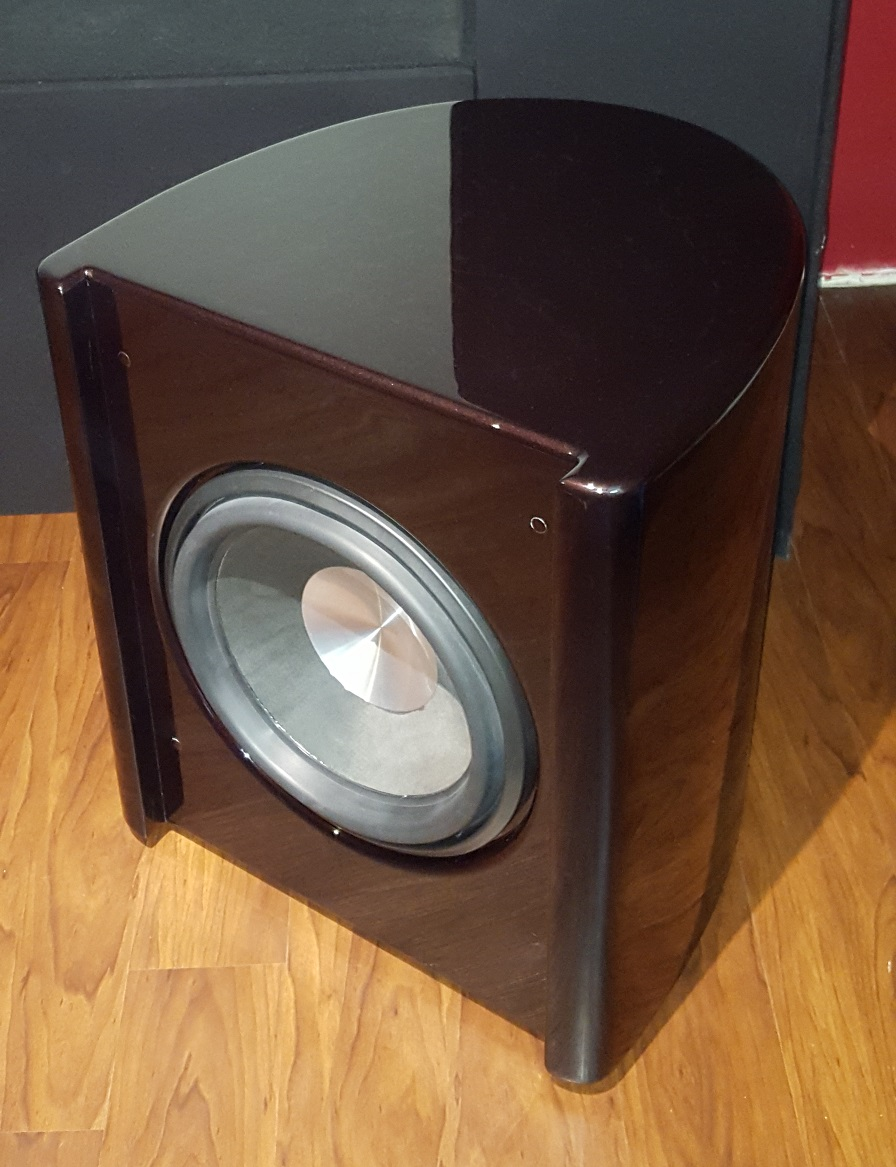 "TC Sounds LMS 15"" Curved box with amp and 2 band PEQ-sub1.jpg"