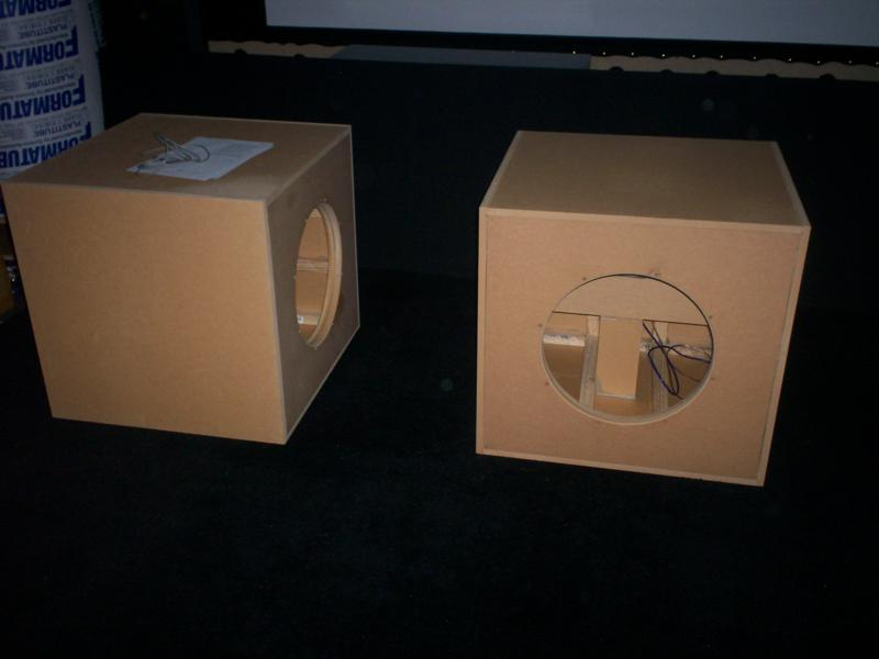 new maelstrom project-subwoofer1-220_800x600.jpg