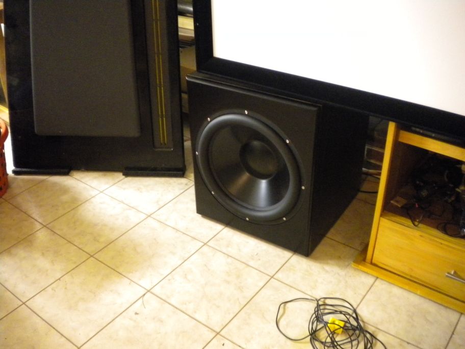 """Dayton 18"""" Ultimax / knock-down cab project.-subwoofer_inplace.jpg"""