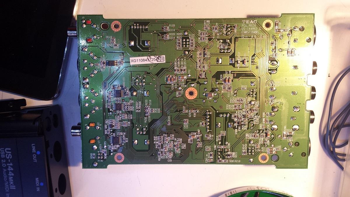 Tascam US-144 MKII Digital Out Produces No Test Tones-tascam_144_back_01.jpg