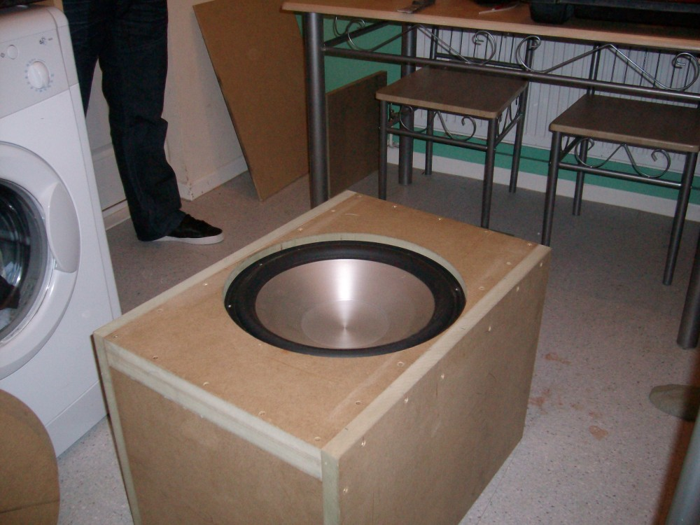"""90 litre single 15"""" driver project.-test-fitting-driver.jpg"""