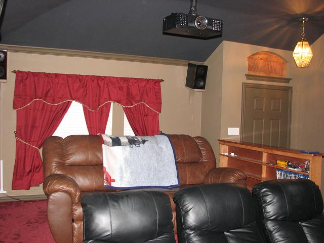height of screen from the floor-theater-004-1.jpg