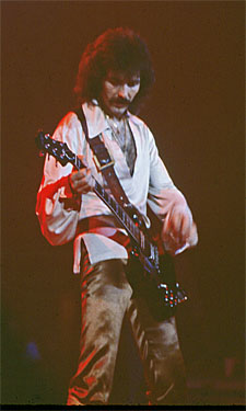 Name:  Tony Iommi 1a.jpg Views: 5818 Size:  46.7 KB