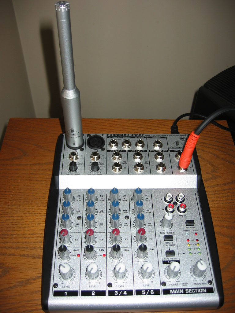Do I need a ECM8000 ?-ub802mic.jpg