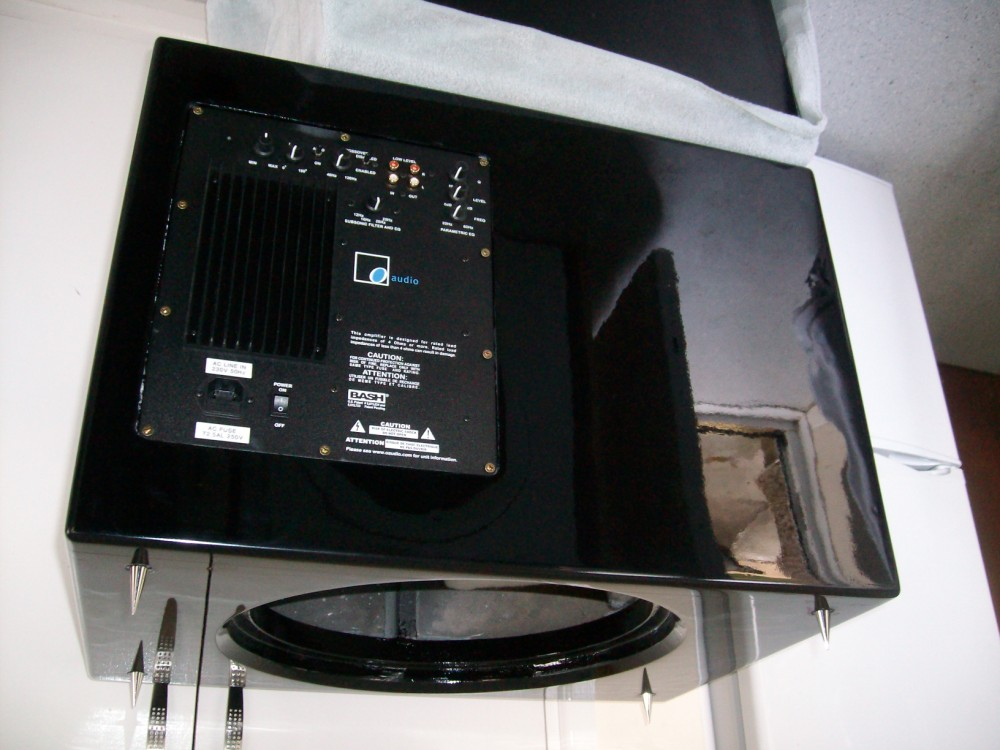 """90 litre single 15"""" driver project.-view-amp.jpg"""